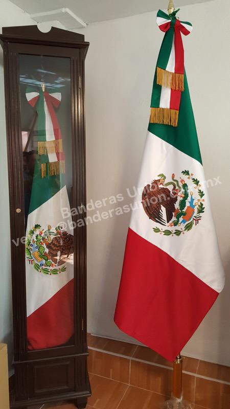 Accesorios para banderas fabrica y venta de banderas casa de banderas union 12 casa de - Accesorios para baneras ...